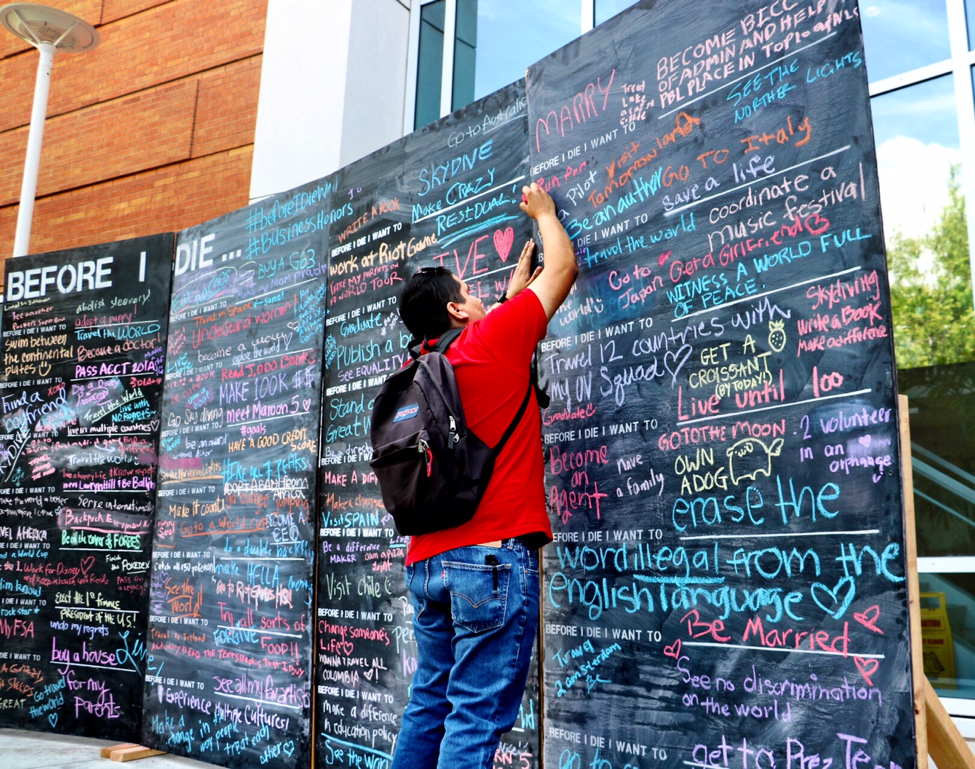 Thai Flag V2 Right Roblox Before I Die Wall At Cal State Fullerton Helps Students Identify Their Life Goals Csuf Business News
