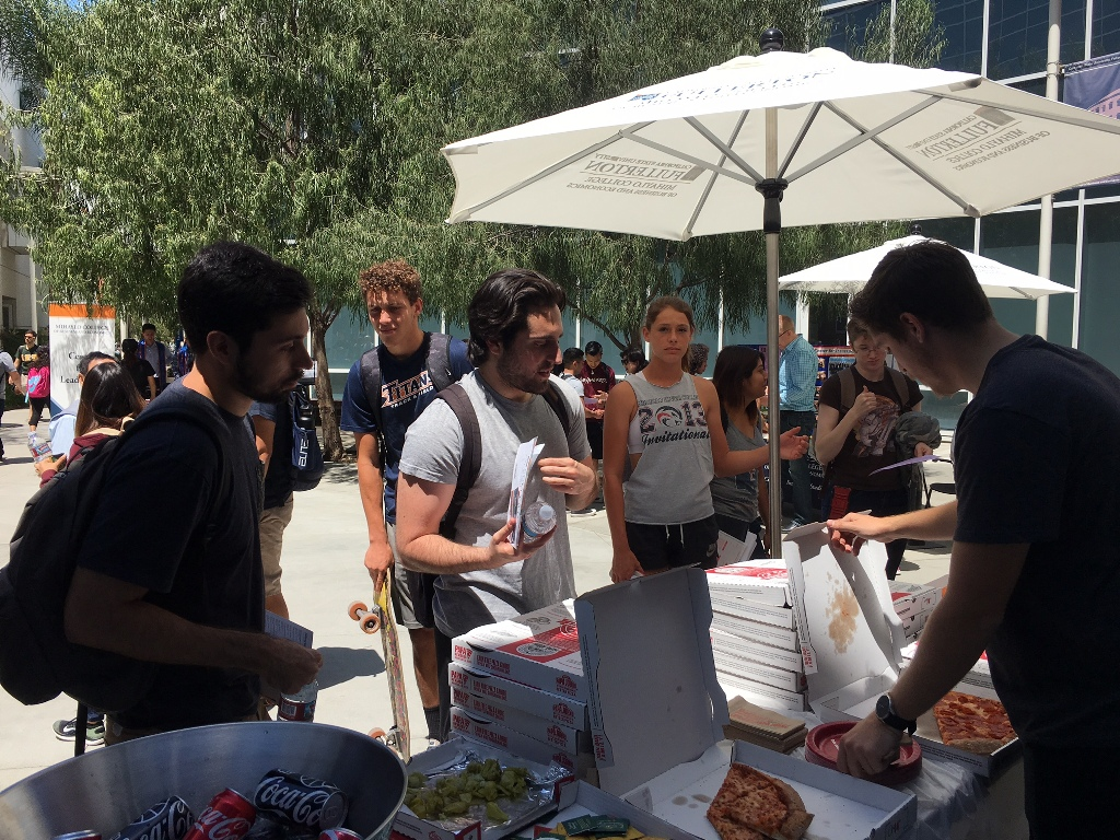 Mihaylo College students stand in line for pizza at CenterFest in 2017.