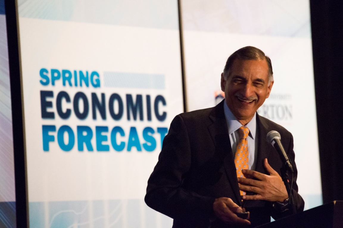 CSUF Provost Anil Puri speaks to Orange County business leaders at the spring 2017 Mihaylo College Midyear Economic Forecast.